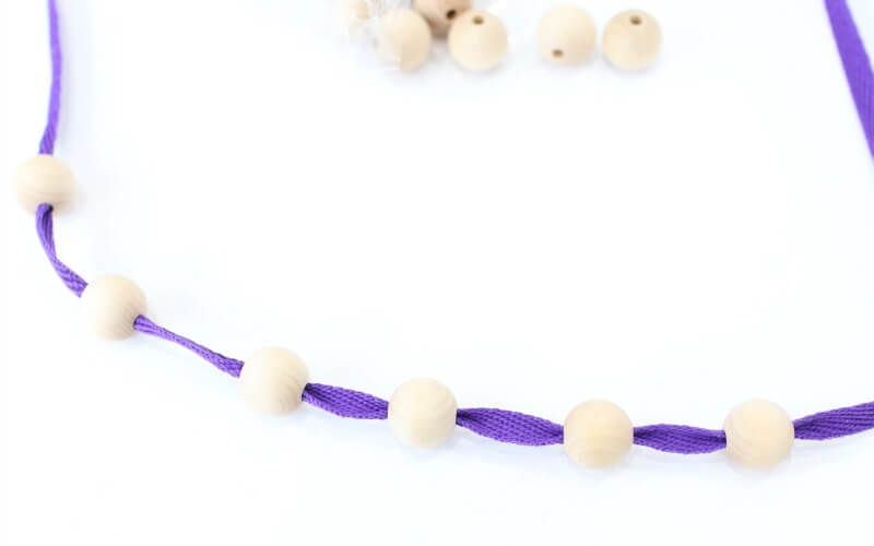 how to make a wooden necklace