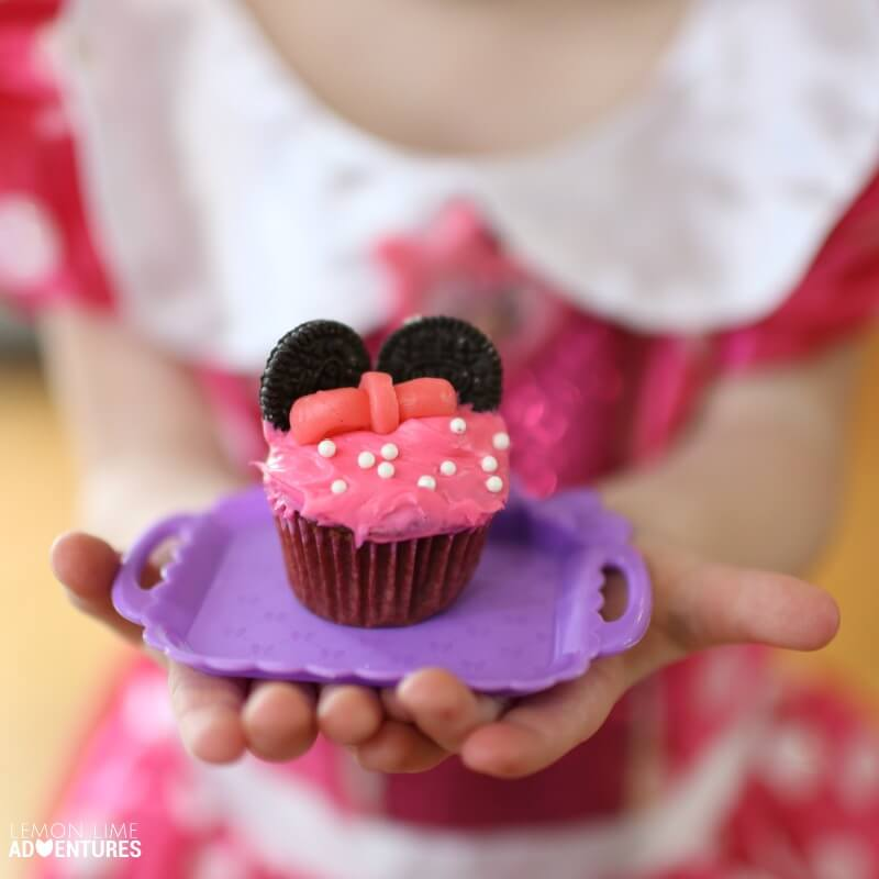Mini Minnie Mouse Cupcakes with Costumes