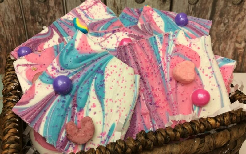 Totally delicious unicorn bark!